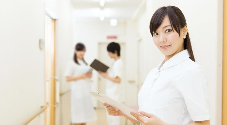 女性看護師編