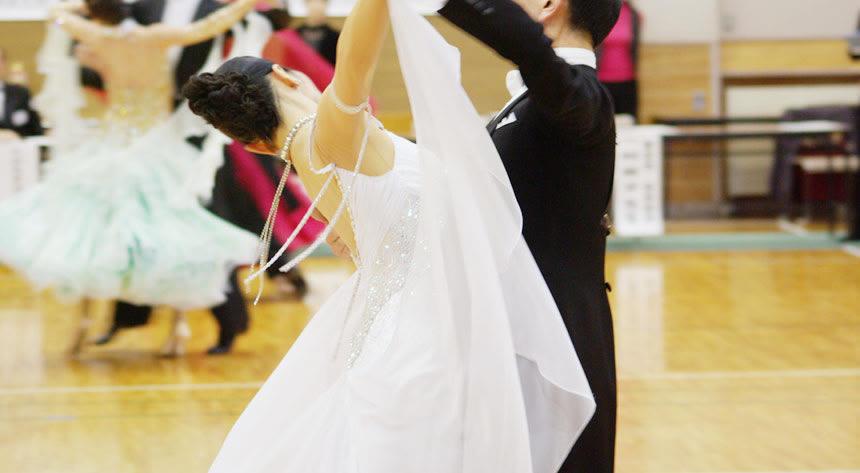 社交ダンス好きが集まるお見合いパーティー